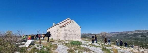 Uskrsni ponedjeljak i blagoslov polja na Dridu